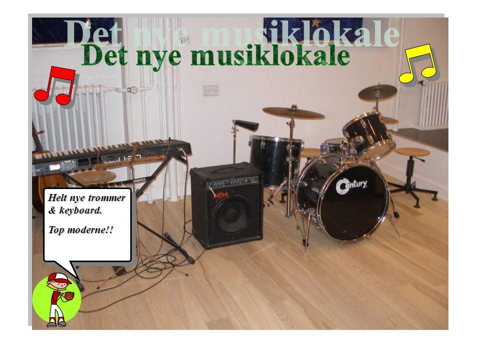 Helt nye trommer & keyboard. Top moderne!!