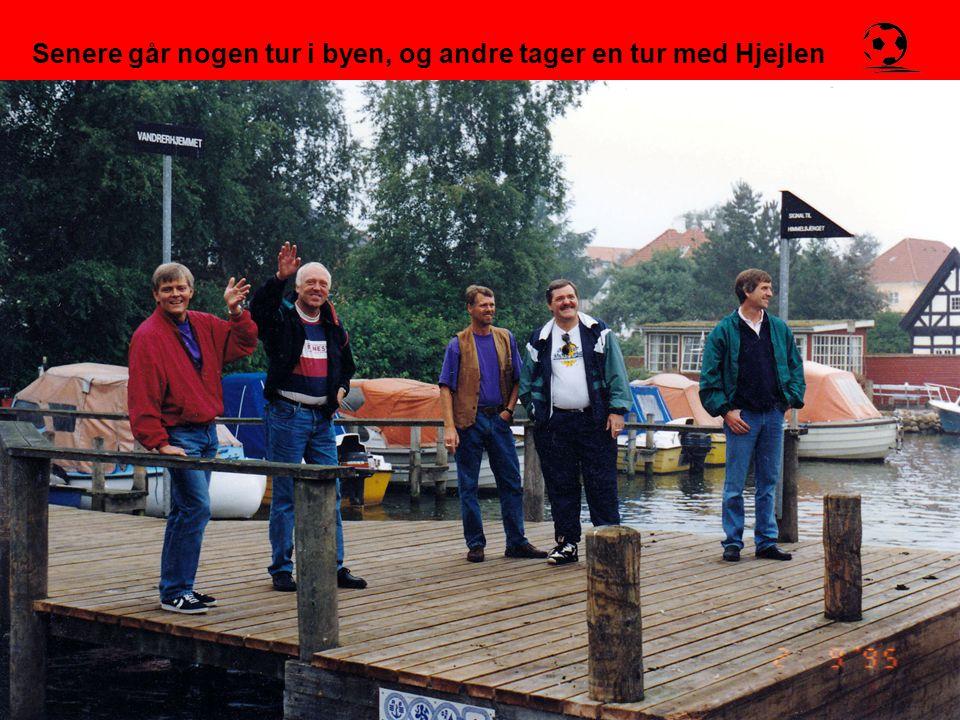 Senere går nogen tur i byen, og andre tager en tur med Hjejlen