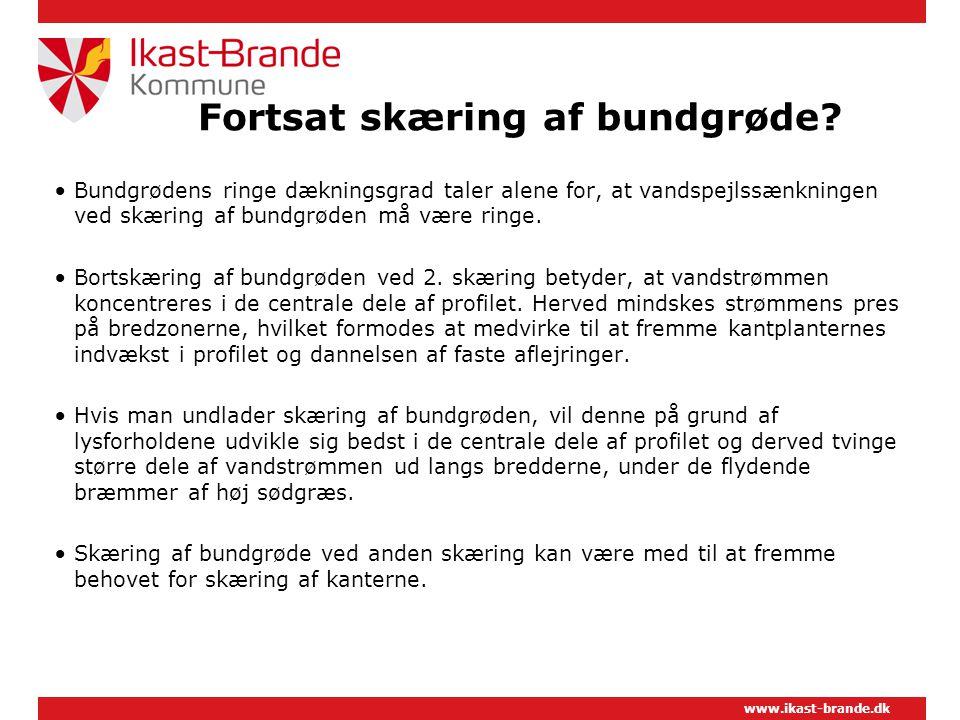www.ikast-brande.dk Fortsat skæring af bundgrøde.
