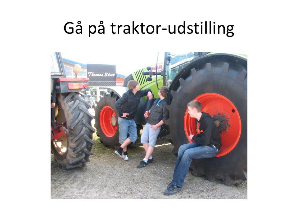 Gå på traktor-udstilling