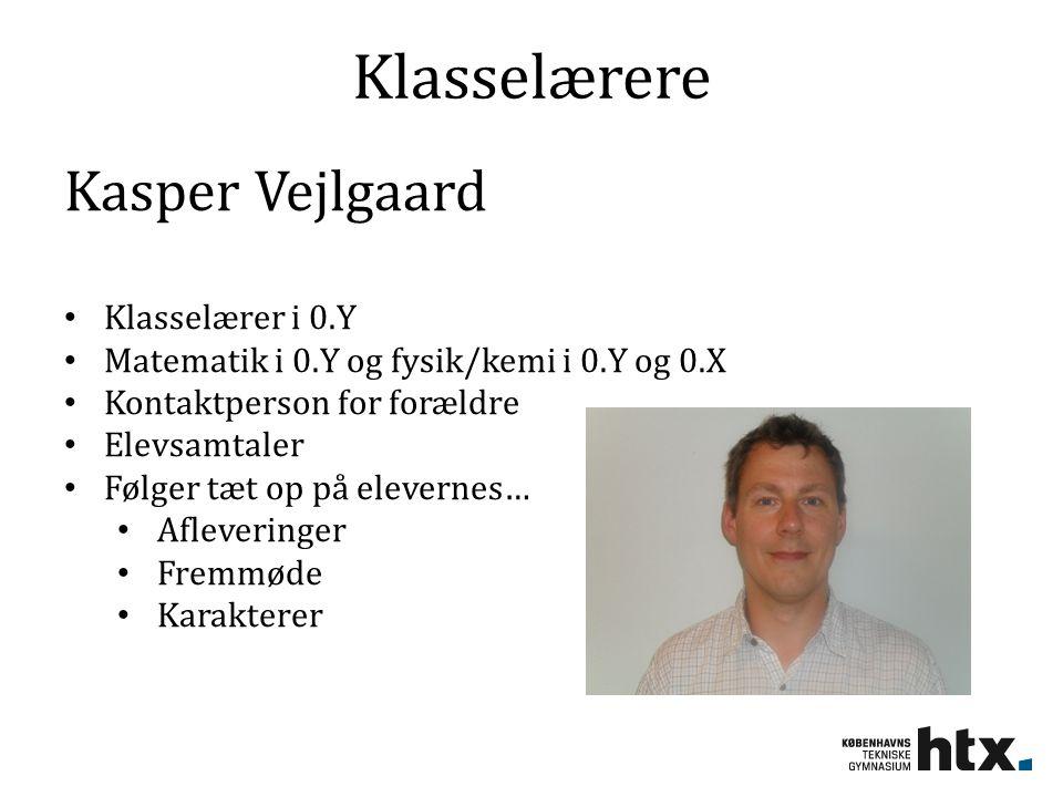 Klasselærere Kasper Vejlgaard Klasselærer i 0.Y Matematik i 0.Y og fysik/kemi i 0.Y og 0.X Kontaktperson for forældre Elevsamtaler Følger tæt op på elevernes… Afleveringer Fremmøde Karakterer