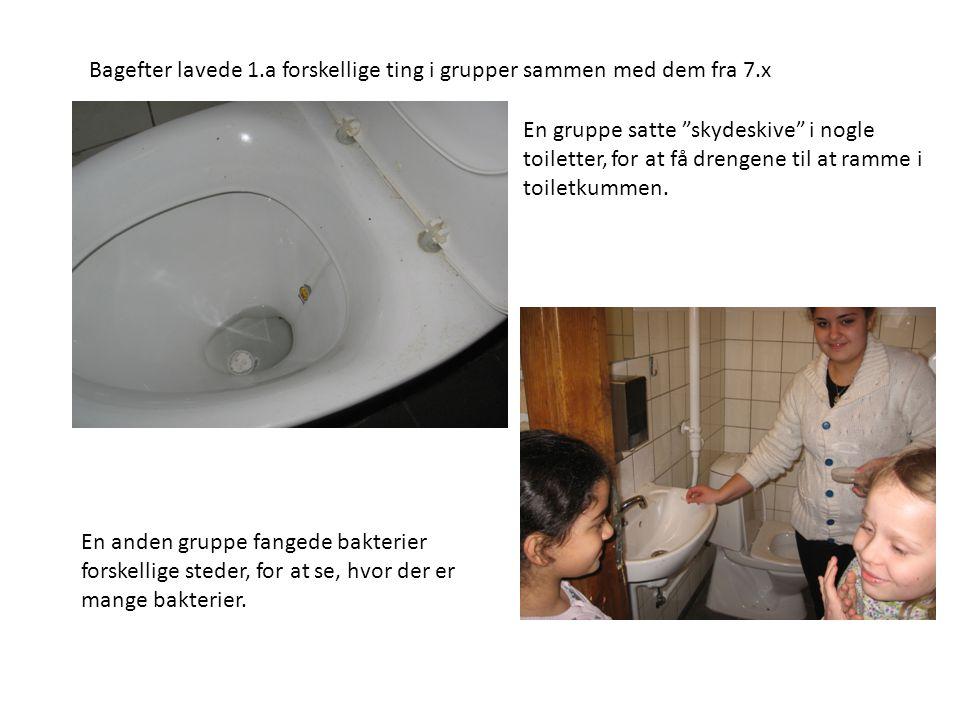"""Bagefter lavede 1.a forskellige ting i grupper sammen med dem fra 7.x En gruppe satte """"skydeskive"""" i nogle toiletter, for at få drengene til at ramme"""