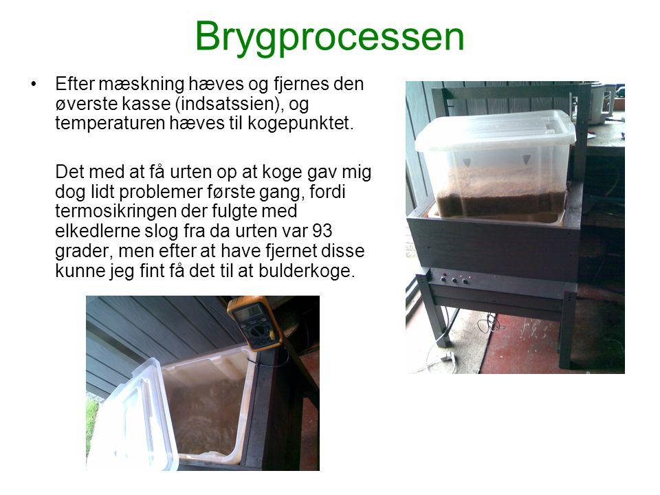 Brygprocessen •Efter mæskning hæves og fjernes den øverste kasse (indsatssien), og temperaturen hæves til kogepunktet. Det med at få urten op at koge