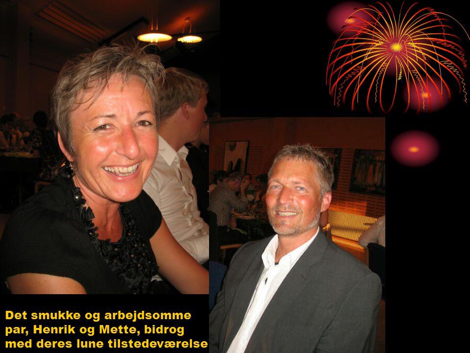 """Hanne og Niels kom med deres bedste charme (selvom en ukendelig Hanne senere gjorde, hvad hun kunne for at ødelægge """" Zumba showet""""  )"""