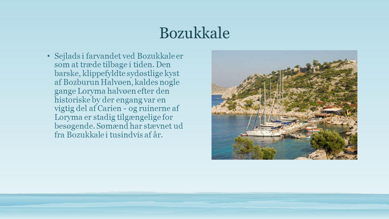 Ölüdeniz • Ölüdeniz, kalde Det Døde Hav, på grund af sine rolige vande selv under storme.