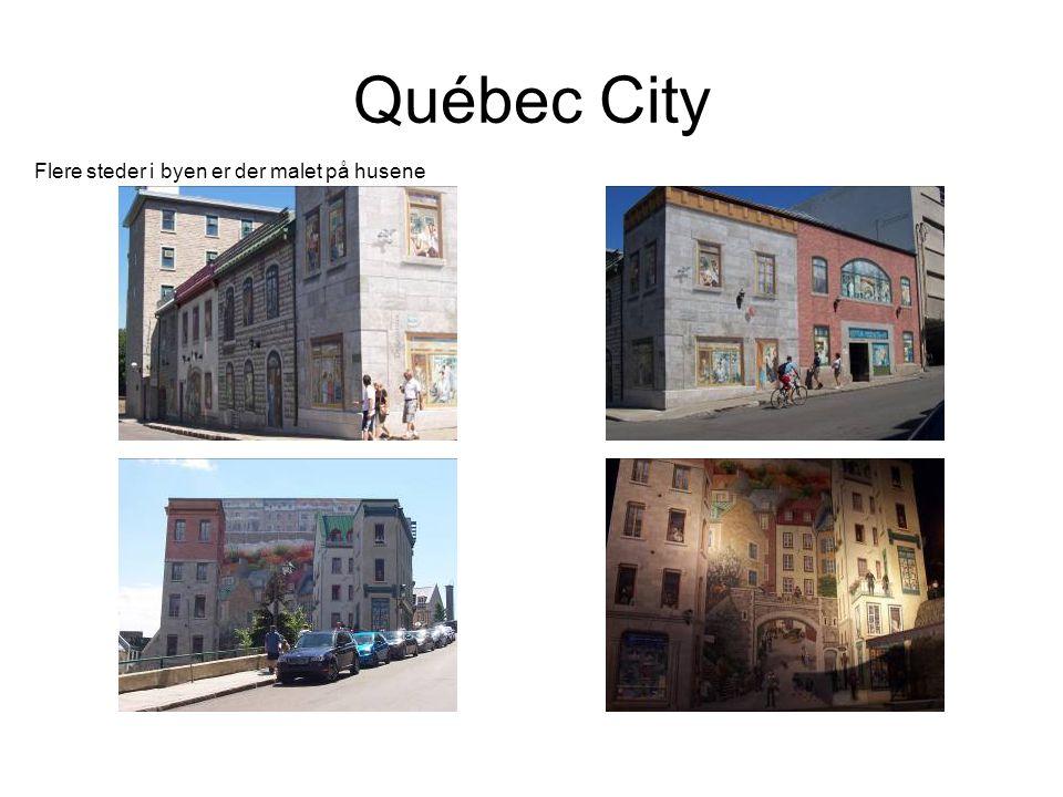 Québec City Flere steder i byen er der malet på husene