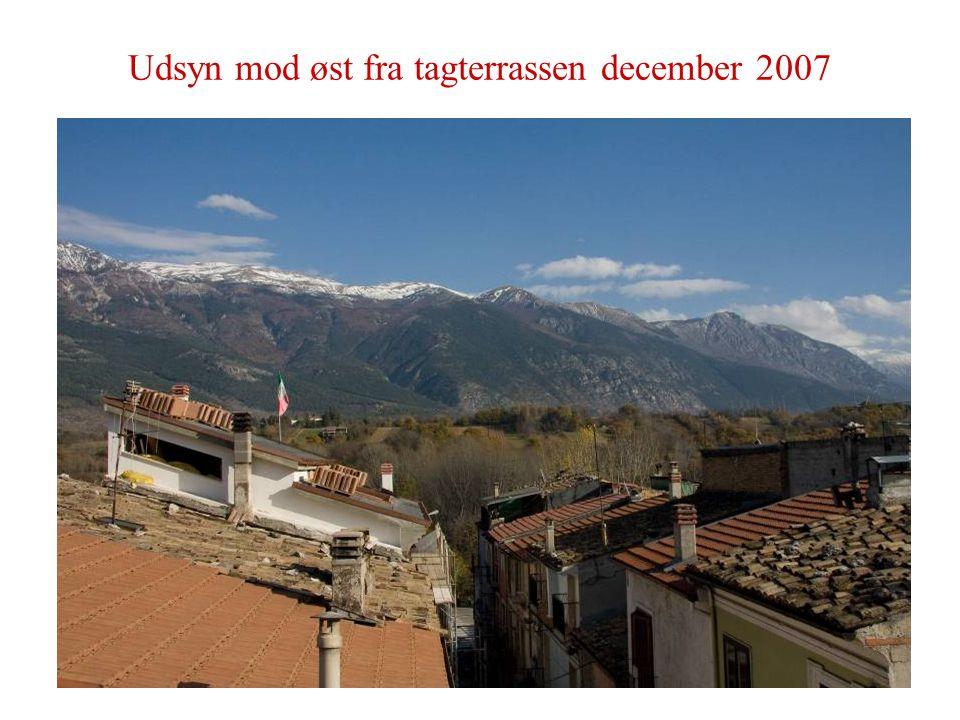 Udsyn mod øst fra tagterrassen december 2007