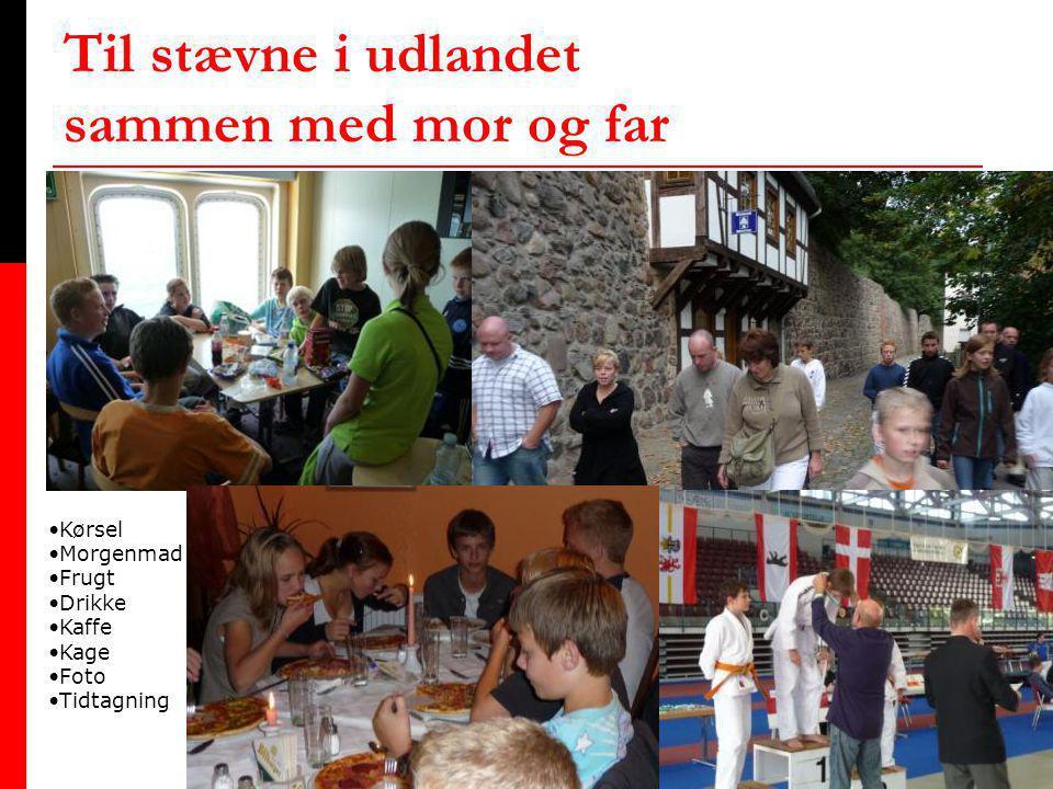 Til stævne i udlandet sammen med mor og far •Kørsel •Morgenmad •Frugt •Drikke •Kaffe •Kage •Foto •Tidtagning