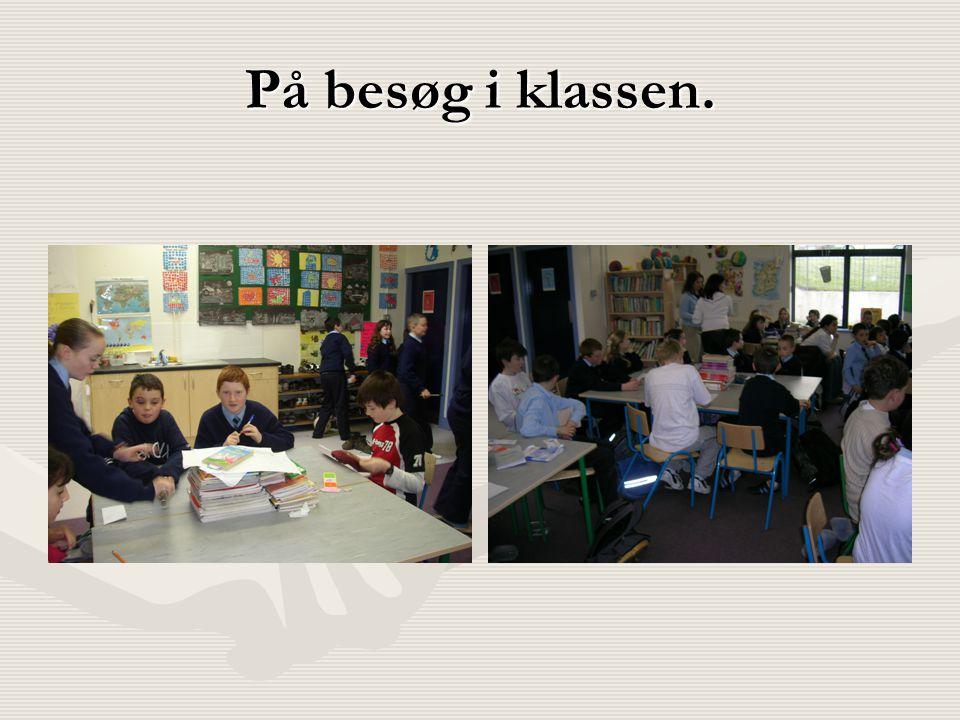På besøg i klassen.