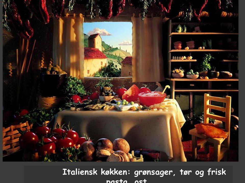 Italiensk køkken: grønsager, tør og frisk pasta, ost.