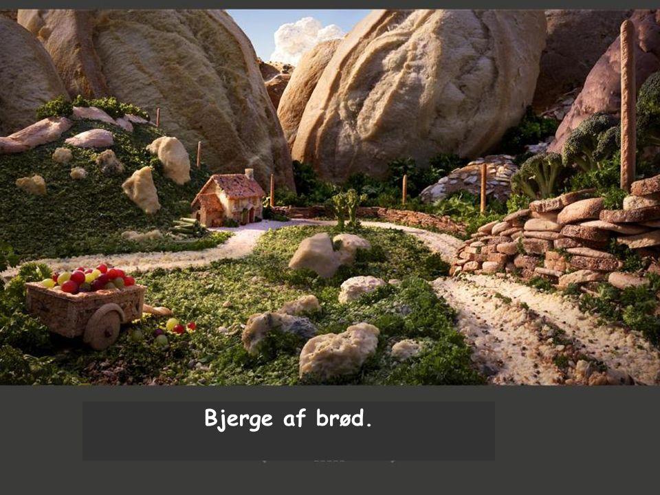 Bjerge af brød.